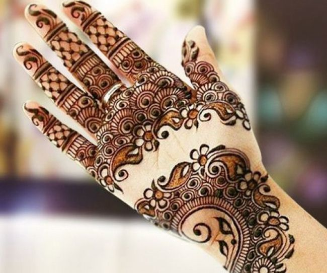 mehndi designs latest for right hand