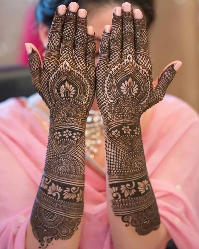 Mehndi designs latest for bridal